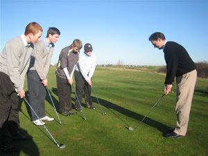 Group Golf Lessons for College Students millennial golfers